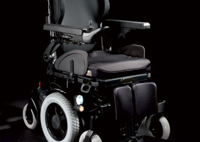 QUICKIE-Salsa-M2-Powered-Wheelchair-Black-Backgrou.aspx