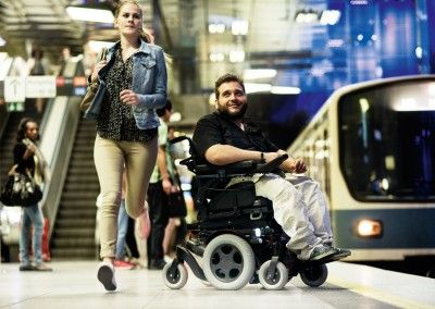 QUICKIE-Salsa-M2-Powered-Wheelchair-Lifestyle-2.aspx